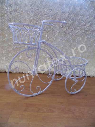 Suport pentru flori tricicleta