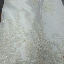 Dantela rochii mireasa