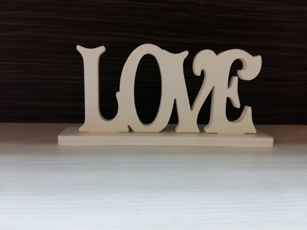 cuvant decorativ Love