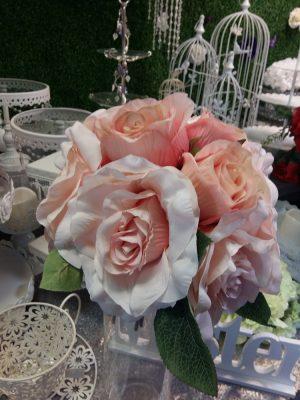 flori artificiale trandafiri