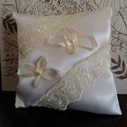 pernuta pentru verighete nunta
