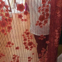 Tiul cu paiete si flori la metru