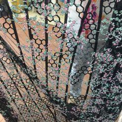 Tiul brodat cu flori la metru online