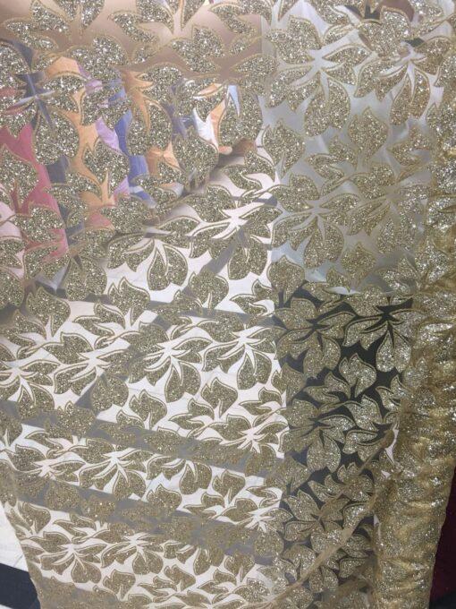 Tiul cu sclipici rochii
