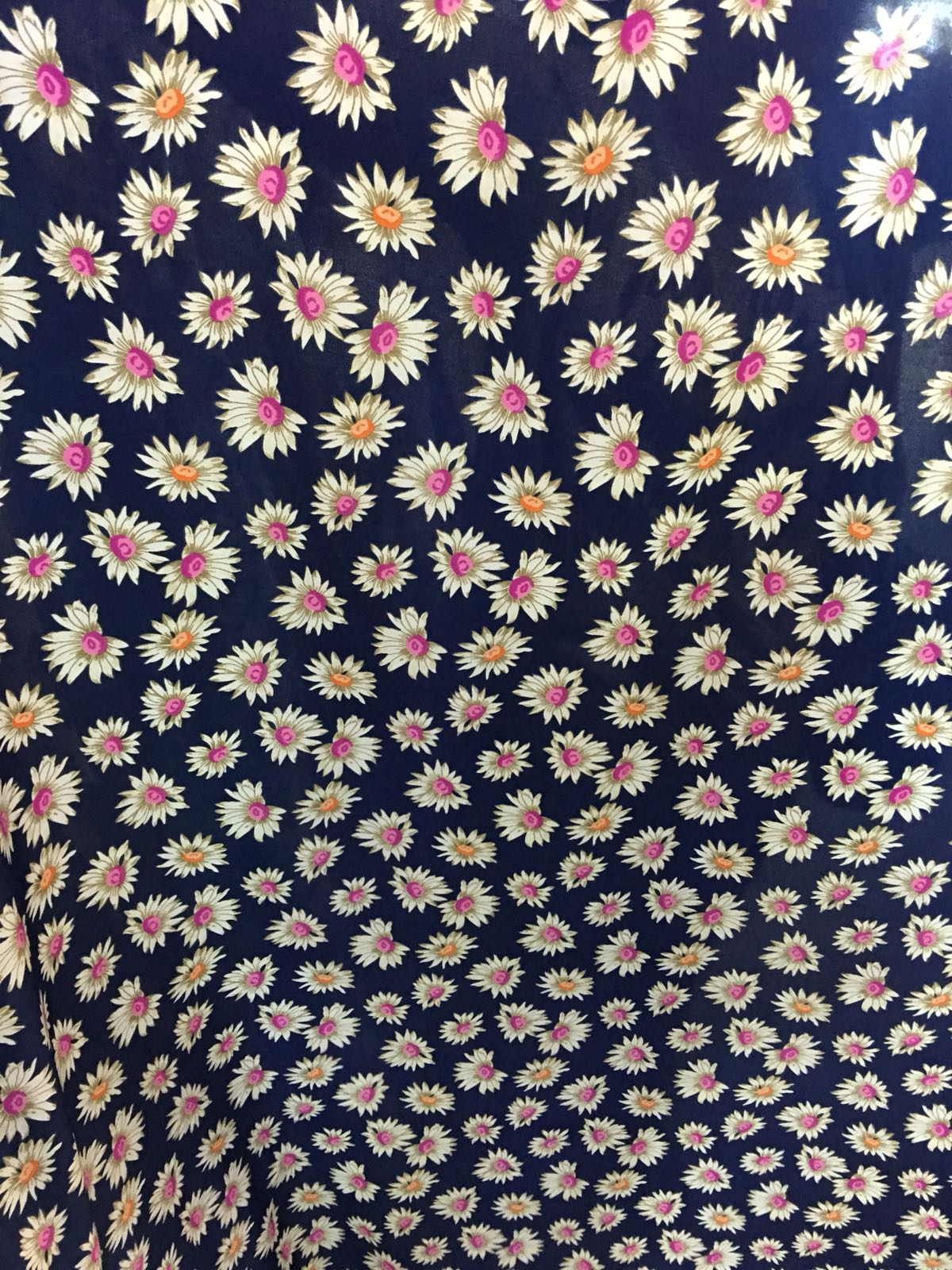 Voal imprimat cu flori tesatura online
