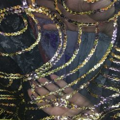 Tesatura cu paiete aurii