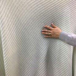 Material pulover iuni