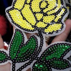 Aplicatie floare cu paiete