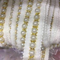 Banda textila cu perle