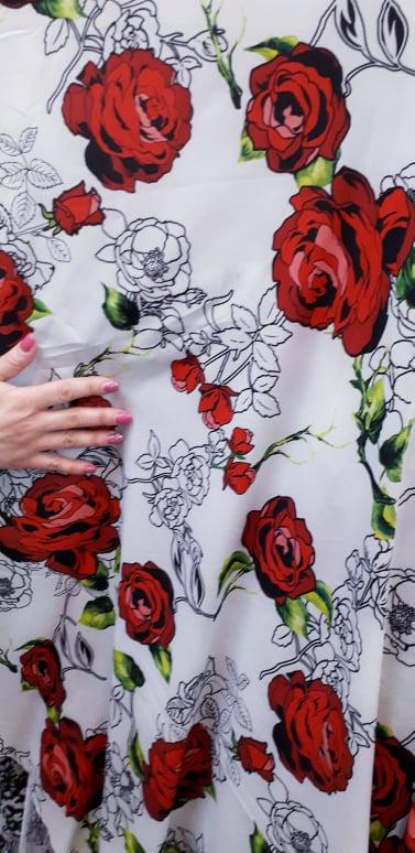 Voal imprimeu trandafiri