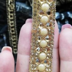 Aplicatie banda cu perle