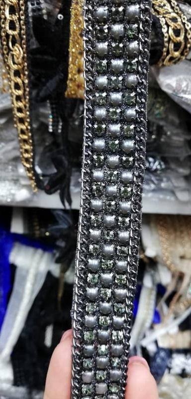 Aplicatie perle rochii