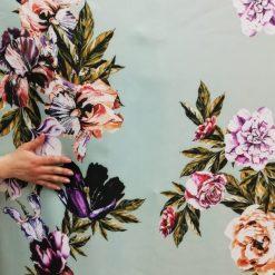Scafandru imprimat cu flori