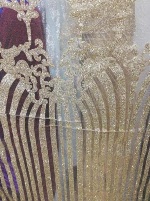 Tiul rochii cu model