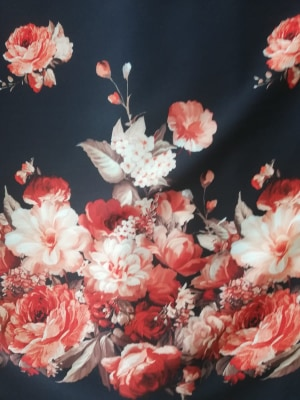 Stofa neagra cu flori