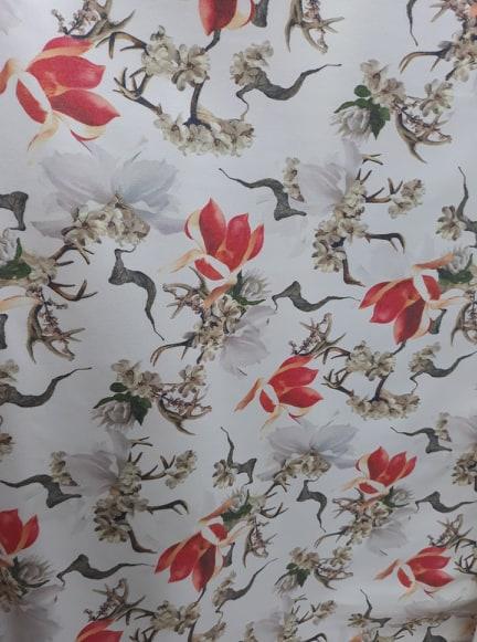 Tesatura stofa cu flori