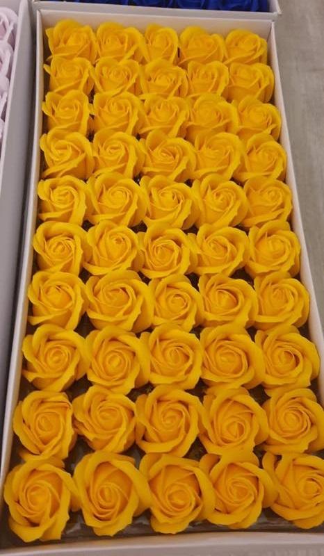 Flori de sapun cutie