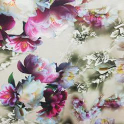 Stofa cu flori imprimate