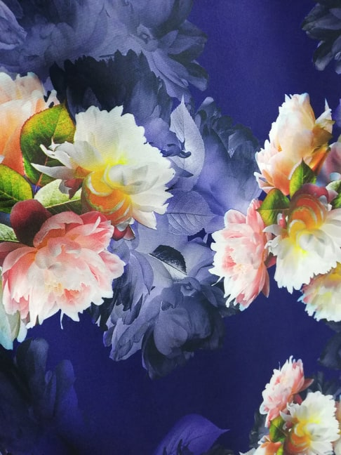 Stofa subtire cu flori