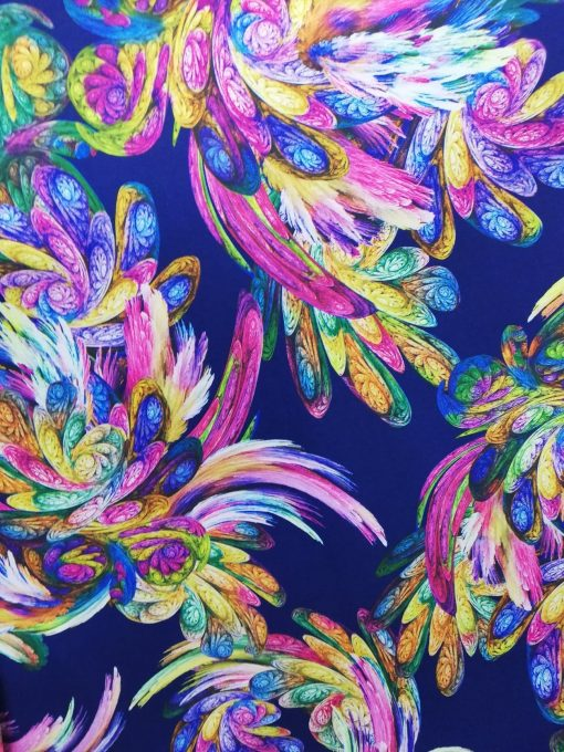 Stofa cu imprimeu colorat