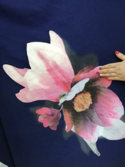 Material subtire cu flori