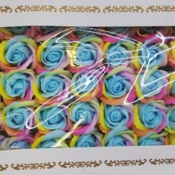Trandafiri colorati din sapun