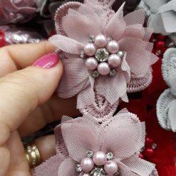 Floare brodata cu perle