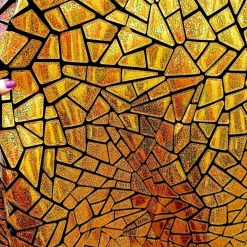 Catifea cu model auriu