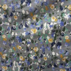 In cu imprimeu floral