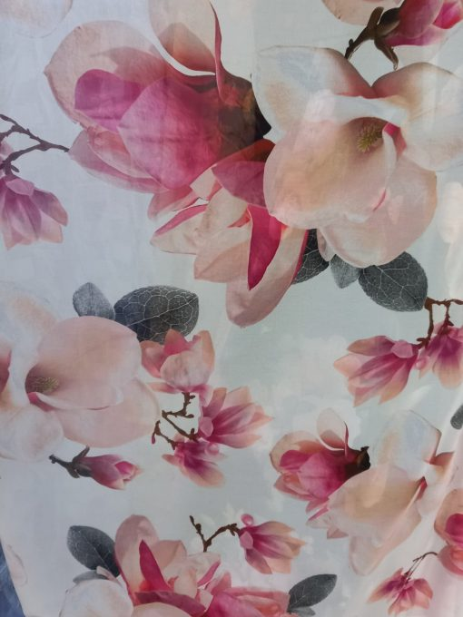 Voal cu magnolii