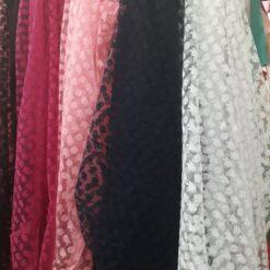 Material textil cu model