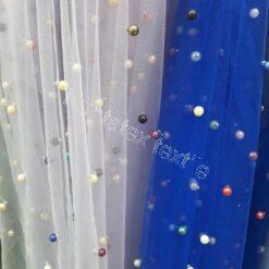 Tiul cu perle colorate